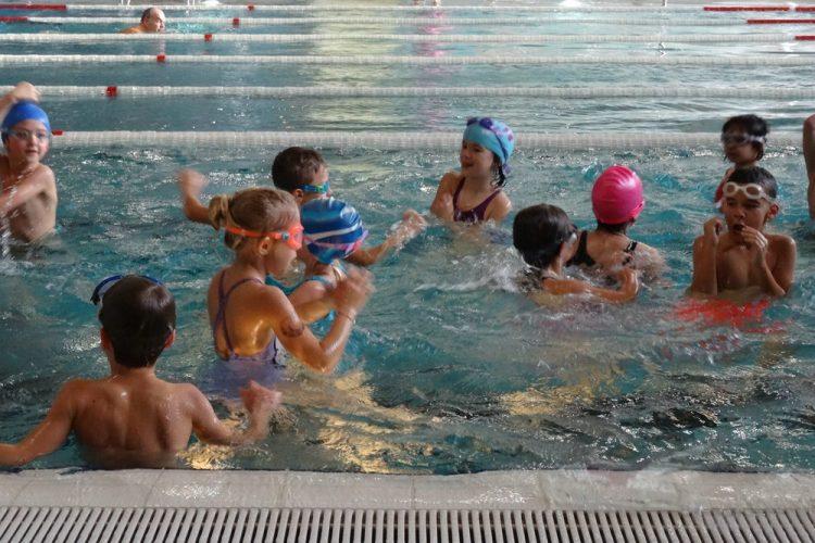 Schwimmkurs der zweiten Klassen