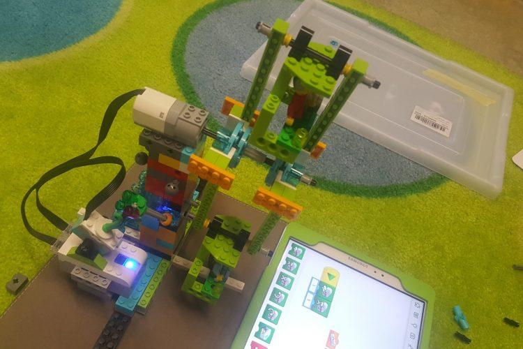 Mit Spaß in die Zukunft! Lego WeDo 2.0, Scratch junior, Scratch