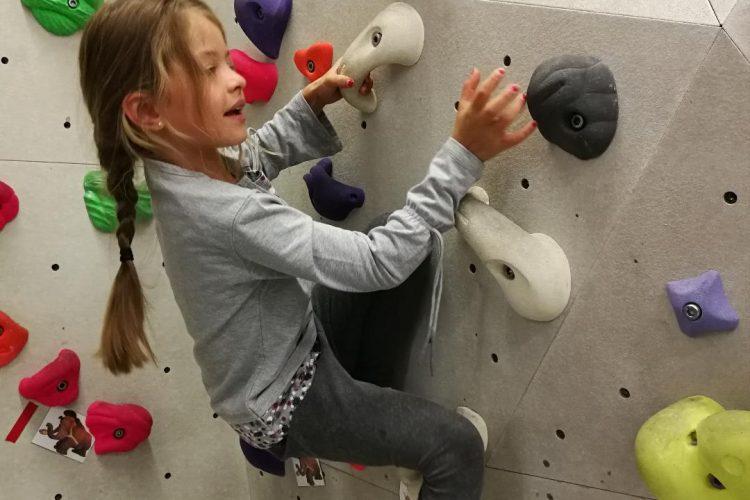 Bouldern: Mit Kraft und Köpfchen