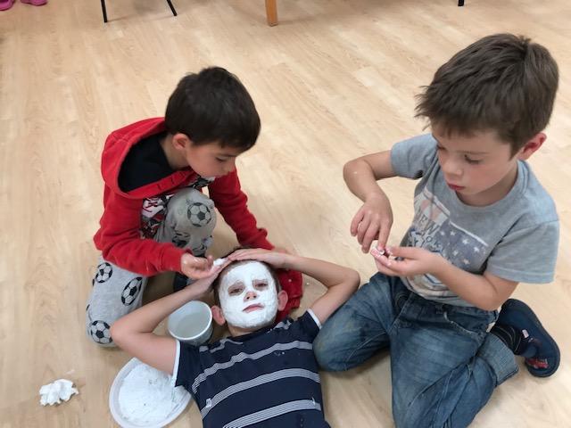 Gipsmasken herstellen und gestalten