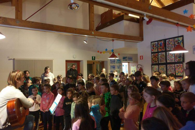 Singende Schule in Lüsen
